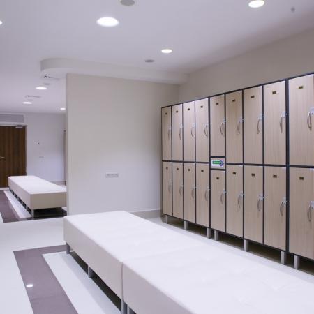 lcoker-room