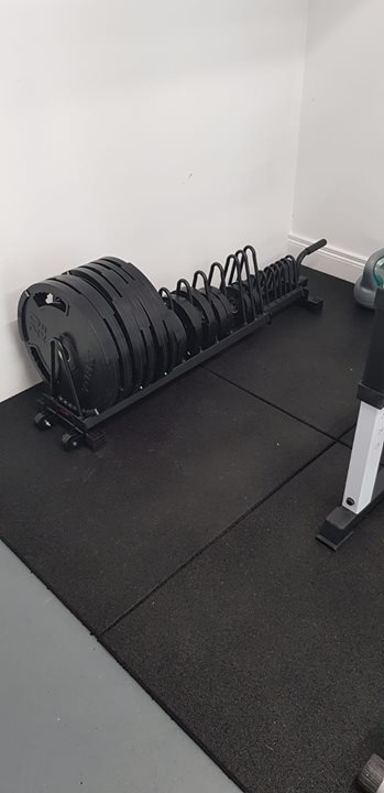 We recently installed some rubber flooring for another fantastic home gym. The  #Granuflex 20mm Fitness Tiles used here …